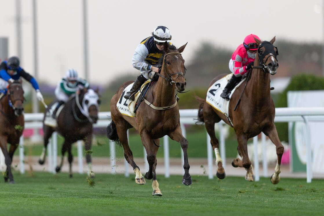 Doyle and True Grit overtake Channel Maker in a late rush in the Neom Turf Cup - Saudi Cup 21